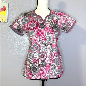 Med Couture patterned scrub top